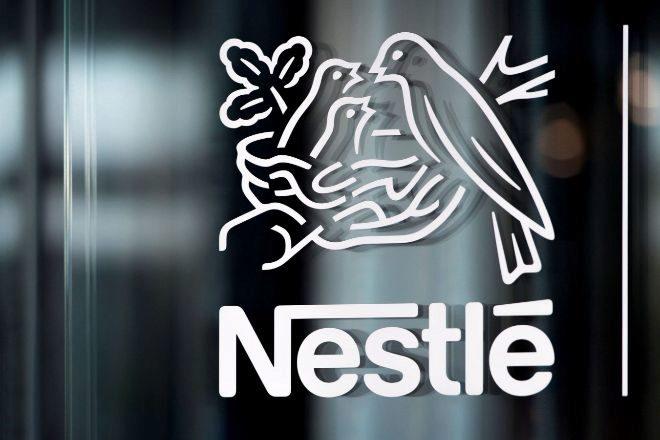 Logotipo de Nestlé en su sede de Vevey (Suiza).