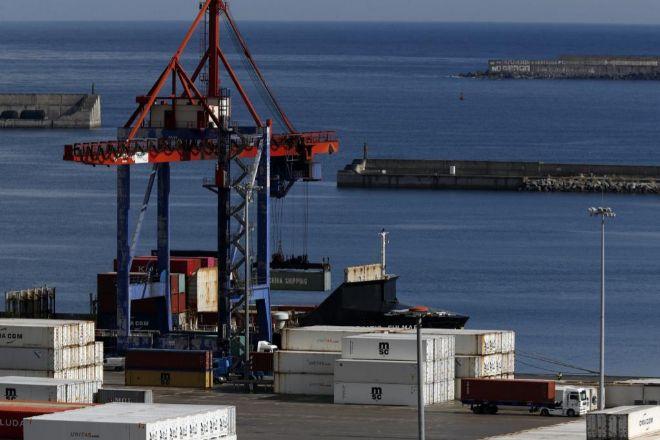 La huelga de estibadores ha hundido el tráfico de mercancías en el Puerto de Bilbao.