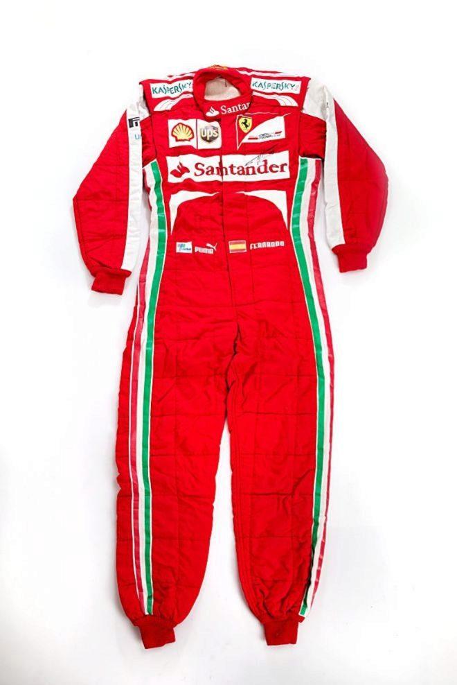 Mono de competición escudería Ferrari de Fernando Alonso. Precio de salida: 3.000 euros.