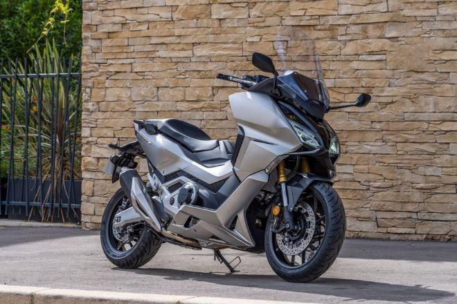 El Honda Forza 750 llegará a los concesionarios en diciembre en un rango de precio por debajo de los 11.850 euros de su hermano X-ADV.