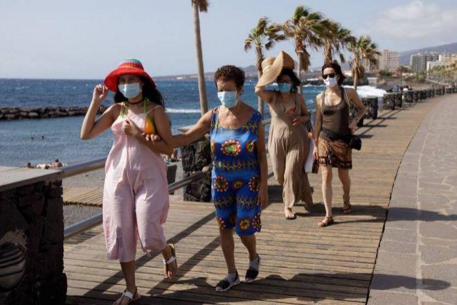 Canarias reactiva su turismo con británicos y alemanes