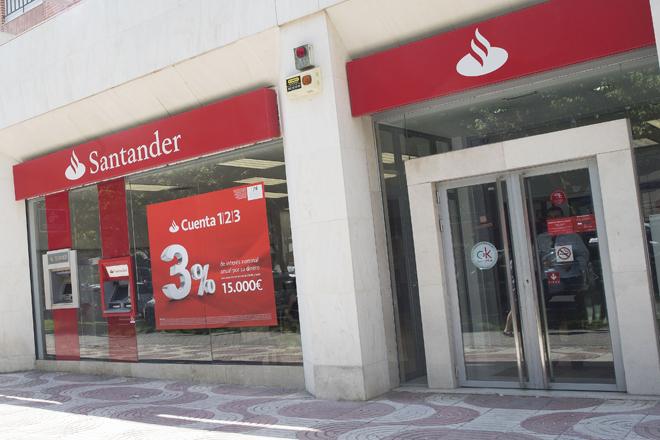 Una de las sucursales de Santander.