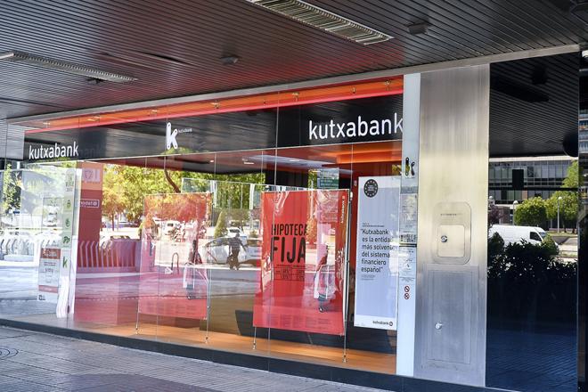 Kutxabank sigue reduciendo su red, y ha cerrado 30 sucursales en la primera mitad del año.