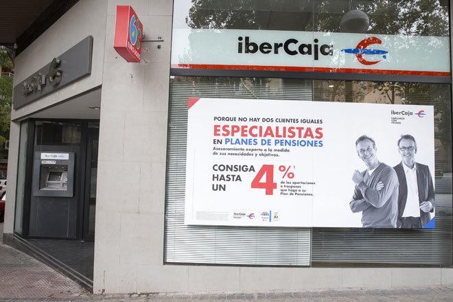 Ibercaja prepara un ERE para más   del 10% de la plantilla