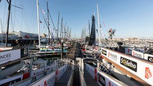 El pantalán donde amarra la flota de la Vendée Globe, cerrada al...