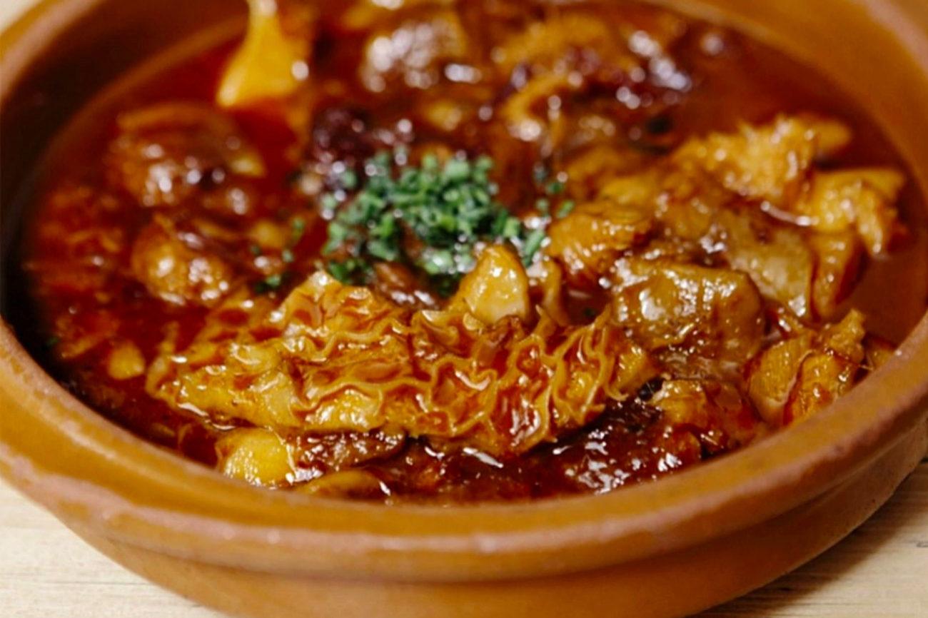 Los Callos a la madrileña son uno de los platos ya clásicos en la...