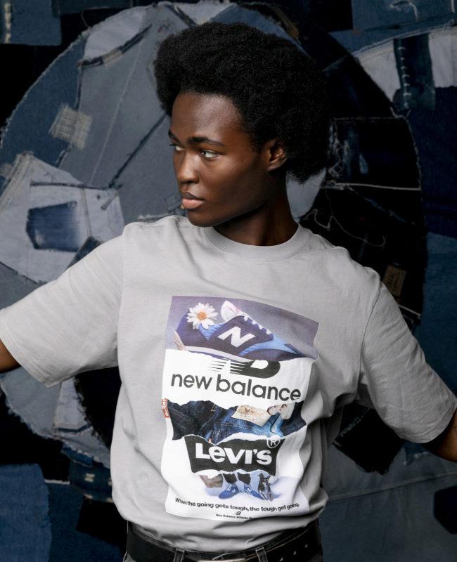 Modelo con la camiseta estampada con anuncios antiguos de ambas marcas, 45 euros.
