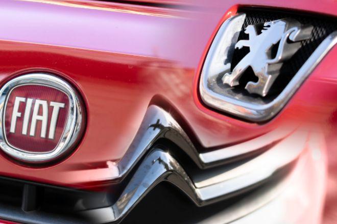 Fotomontaje con los logos de Fiat y Peugeot.