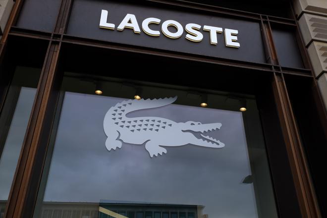 Lacoste tiene 40 tiendas propias en España.