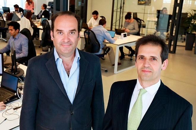 Francisco Velázquez (a la derecha) y Alfonso de León, fundadores de Axon Partners.