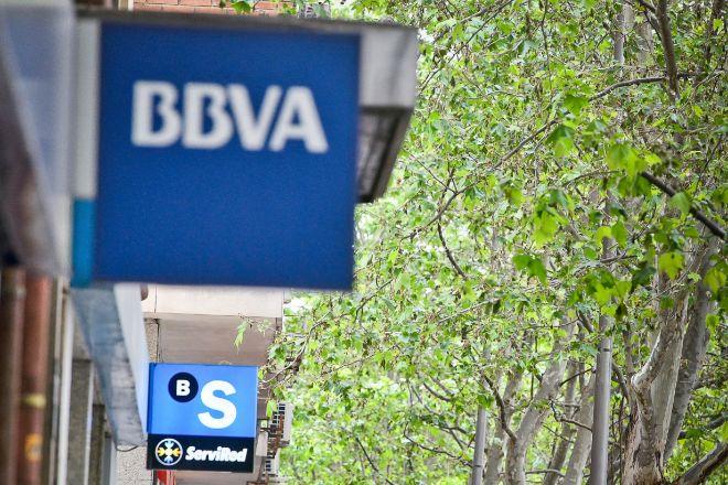 Doble velocidad en Bolsa tras la fusión rota: Sabadell se agita y BBVA marca diferencias