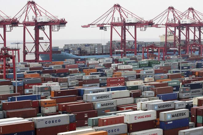 Contenedores en el puerto de Shanghái.