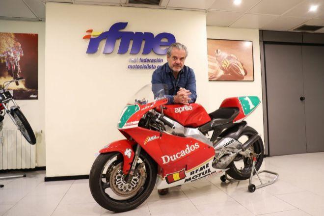 Marcos de Quinto ficha por la Federación Motociclista Española