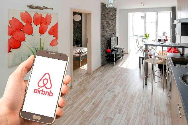 Aplicación de Airbnb en el móvil
