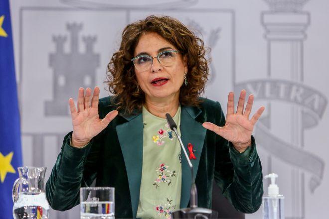 La ministra portavoz y de Hacienda, María Jesús Montero, durante la rueda de prensa tras el Consejo de Ministros de ayer.