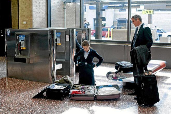 El personaje de George Clooney en 'Up in the air' tendría difícil viajar continuamente por trabajo en la era del Covid.