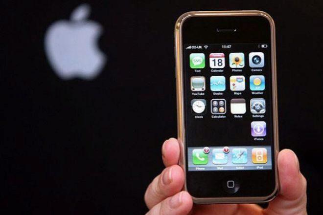 Consumidores europeos demandan a Apple por ralentizar los iPhones antiguos