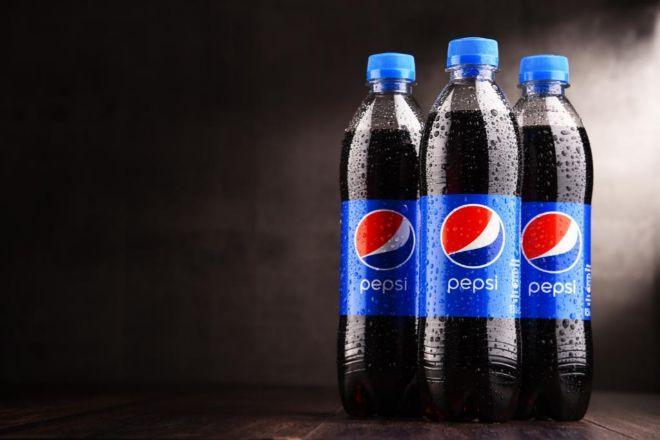 Las botellas de Pepsi serán a partir de 2021 de plástico reciclado.