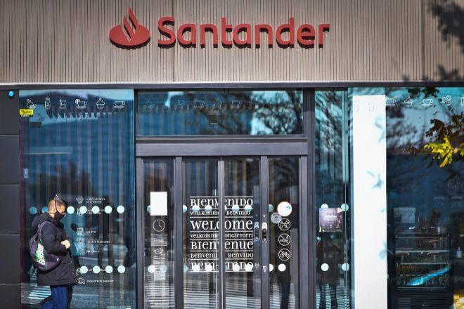 Santander desafía a los analistas desde los niveles más altos desde marzo