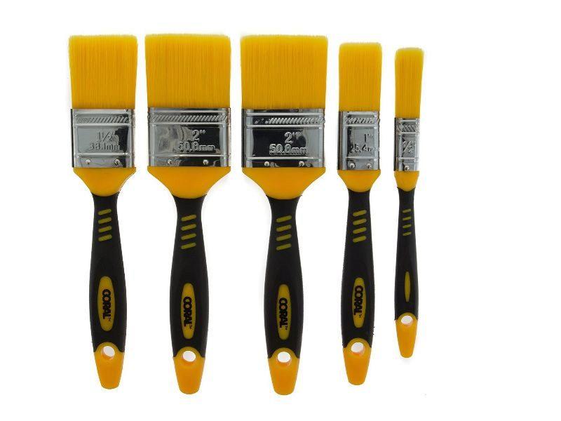 ¿Tienes intención de pintar en casa? Brochas, rodillos, lijadoras, cinta protectora,  mono de faena y otras herramientas y materiales que necesitarás