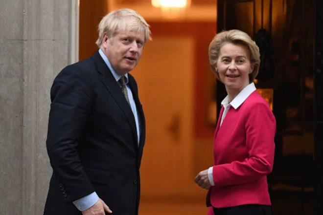 El primer ministro británico, Boris Johnson, y la presidenta de la Comisión Europea, Ursula von der Leyen, en una foto de archivo.