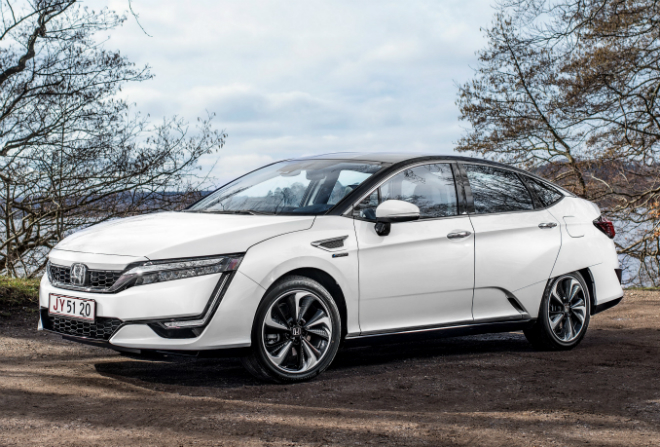 El Honda Clarity Fuell Cell unicamente está disponible en California (EEUU) para leasing.