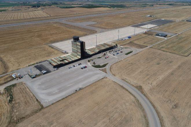 Instalaciones del Aeropuerto de Lleida-Alguaire, donde la Generalitat quiere crear una especie de<em> Cabo Cañaveral catalán</em>.