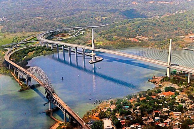 Imagen del paso del canal de Panamá.