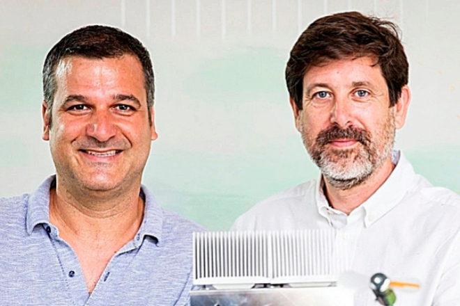 Raúl Aragonés (izqda.) y David Comellas (dcha.), presidente y director general de AEInnova.