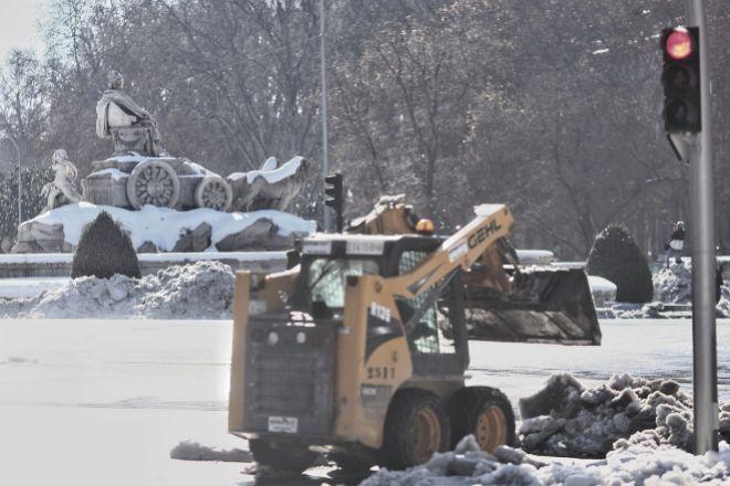 La intensa nevada provocó múltiples problemas de circulación y servicios.