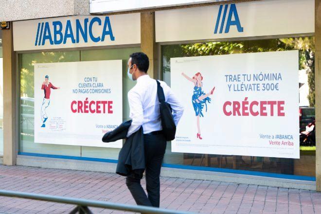 Abanca y Liberbank prorrogan sus regalos en 'cash' en cuentas para competir con Deutsche Bank