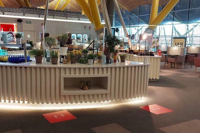 Iberia reabrió en noviembre la Sala Premium Dalí en la T4 del aeropuerto de Madrid,