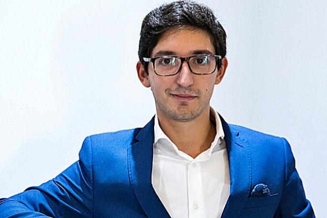 Un joven español logra convencer con su fondo a la tercera fortuna de Emiratos Árabes