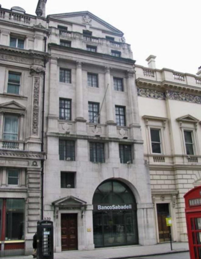 Sede de Sabadell Banca Corporativa en Londres, en la calle Pall Mall.