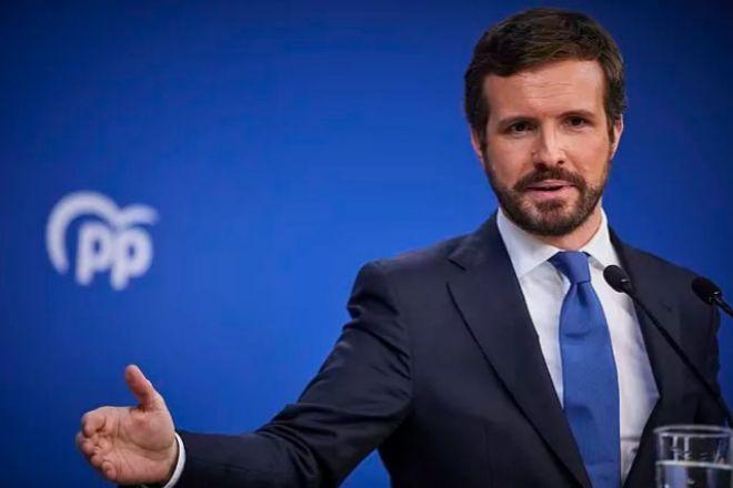"""Casado propone un fondo de 50.000 millones de ayuda a empresas para """"rescatar"""" a la economía productiva"""
