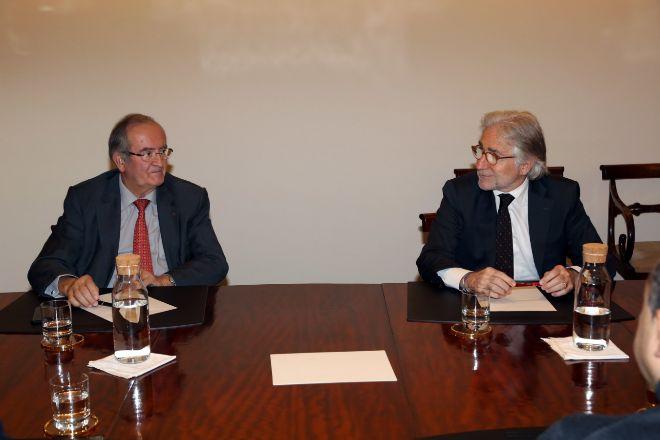 Josep González (Pimec) y Josep Sánchez Llibre (Fomento del Trabajo), en una imagen de archivo.