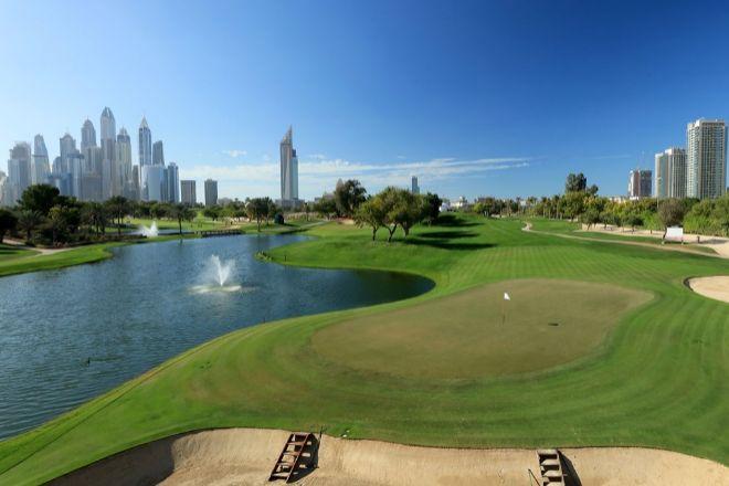 Desde que el Tour aterrizará en Dubái en 2009 sus campos y premios han atraído a los mejores golfistas y han fortalecido la reputación del país dentro de este deporte. El Emirates Golf club cuenta con dos campos de 18 hoyos, The Faldo Course, par 72, 18 hoyos y 7.052 yardas en el que se puede jugar de día o de noche; y The Majlis, par 72, con 7.301 yardas, donde se juegan los grandes torneos. El 'green fee' varía entre 140 hasta los 200 dólares según recorrido y momento de la temporada.
