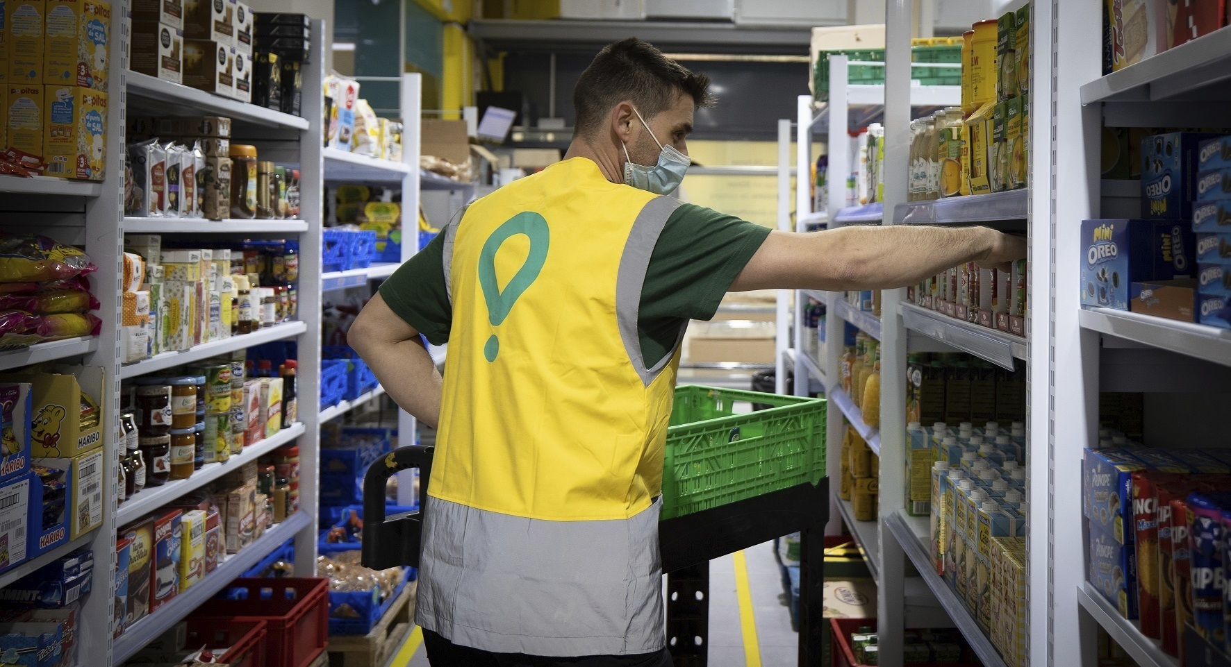Uno de los almacenes para compras de conveniencia de Glovo, que formarán parte clave de su estrategia de entregas ultrarrápidas.