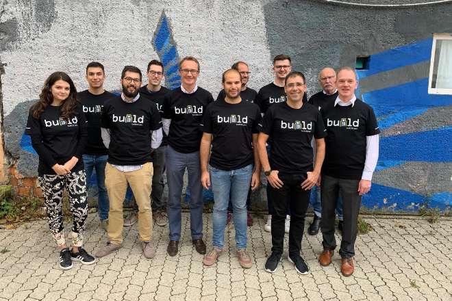 El equipo de la start up Build38.