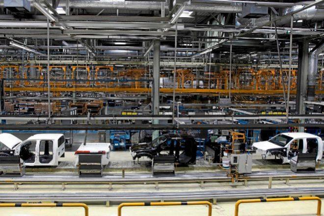 Interior de la fábrica de Nissan Motor Ibérica en la Zona Franca de Barcelona.