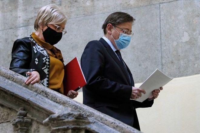 La consellera de Sanidad, Ana Barceló, y el presidente de la Generalitat, Ximo Puig, al salir de la reunión.