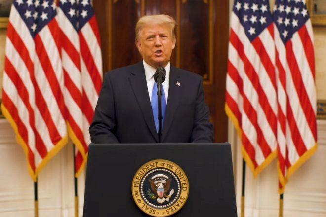 Donald Trump durante su video de despedida de la Casa Blanca.