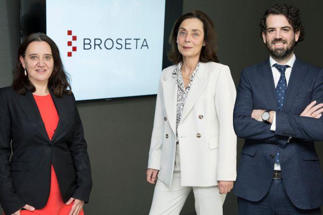 Rosa Vidal, Marta Alamán y Alberto Fernández Irízar.