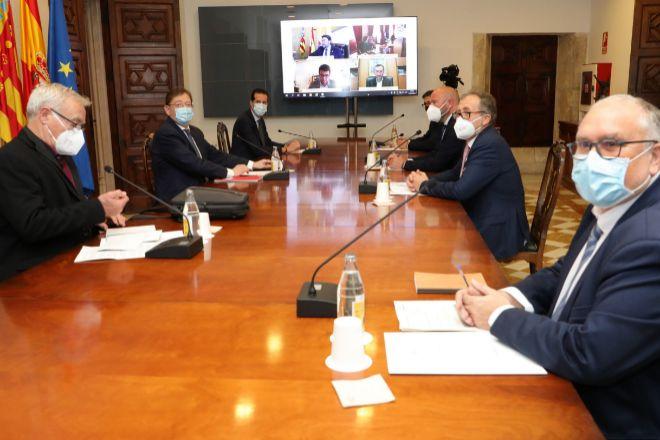 Reunión Generalitat-ayuntamientos para tratar los detalles del fondo.