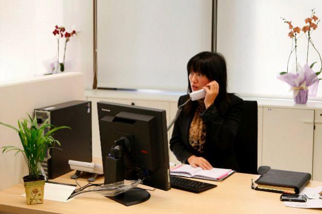 Convenio de banca: ordenador, wifi, móvil, silla y 55 euros por teletrabajo