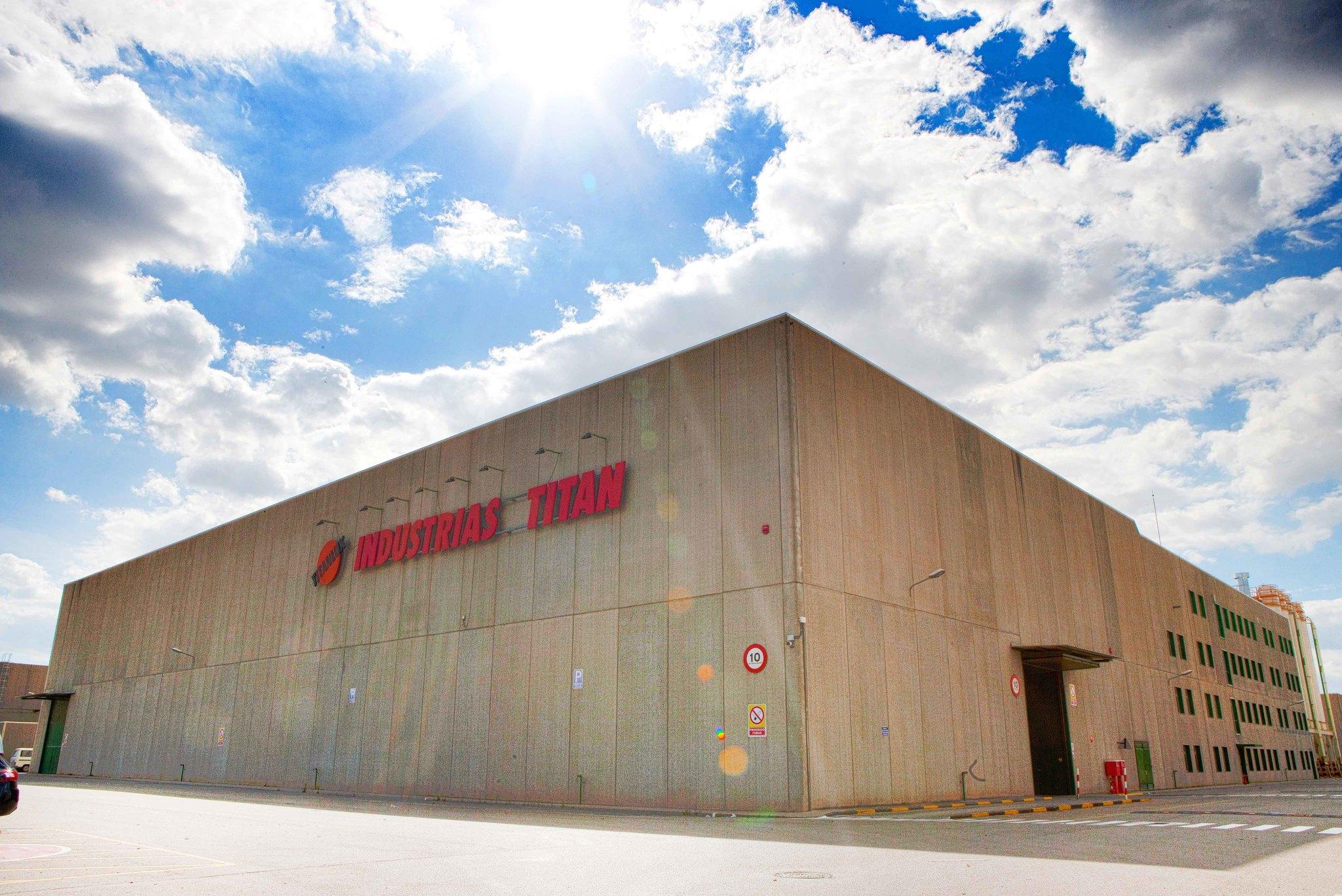 Instalaciones de Industrias Titán en El Prat de Llobregat. Su venta fue una de las operaciones más emblemáticas de 2020.