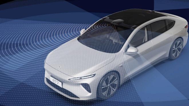 El sensor superior permite mejor visibilidad y amplía la seguridad en carreteras complicadas.