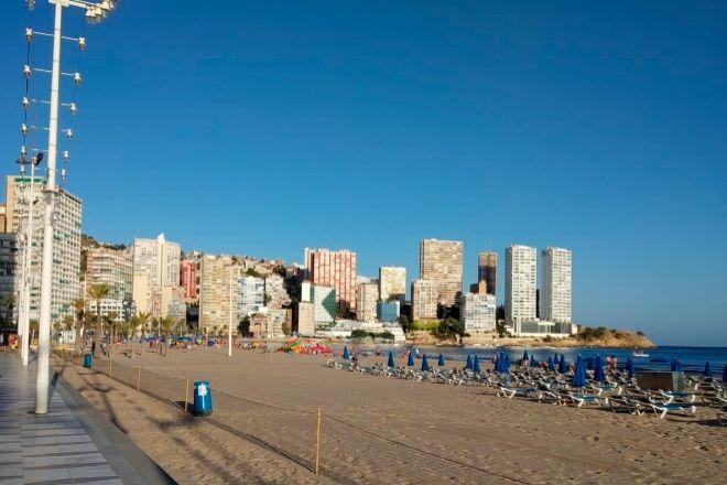 Frente marítimo de la ciudad de  Alicante.