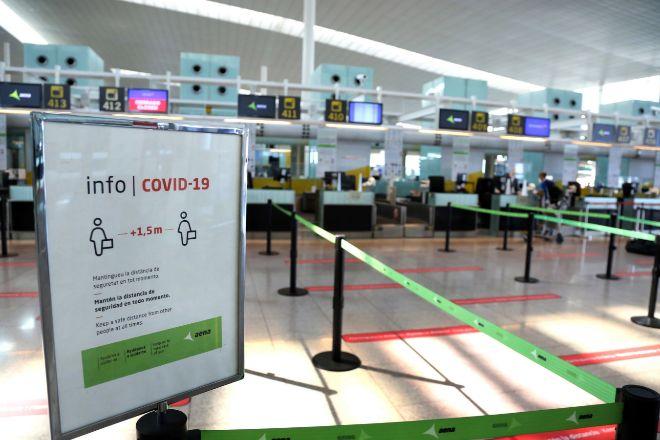 Bruselas pide exigir PCR y cuarentena a los viajeros procedentes de zonas de alta incidencia de Covid