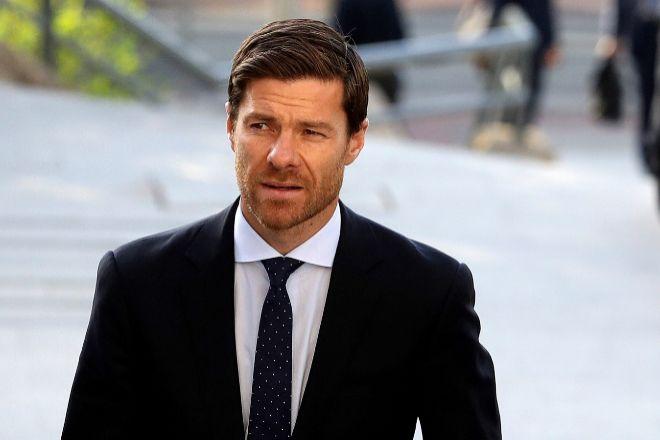 Anulan la sentencia que absolvió a Xabi Alonso por fraude fiscal y ordenan un nuevo fallo